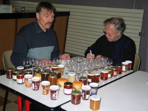 Les meilleurs miels produits par les apiculteurs ont été sélectionnés et récompensés. Un hommage au travail des abeilles