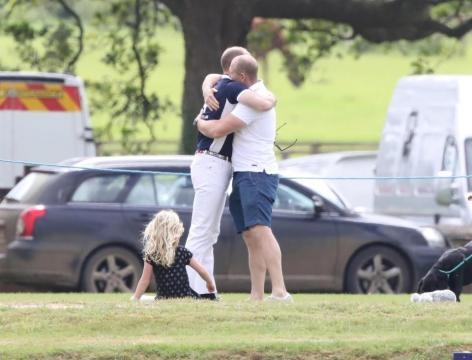 Prince William hugs Mike Tindall ... - thesun.co.uk