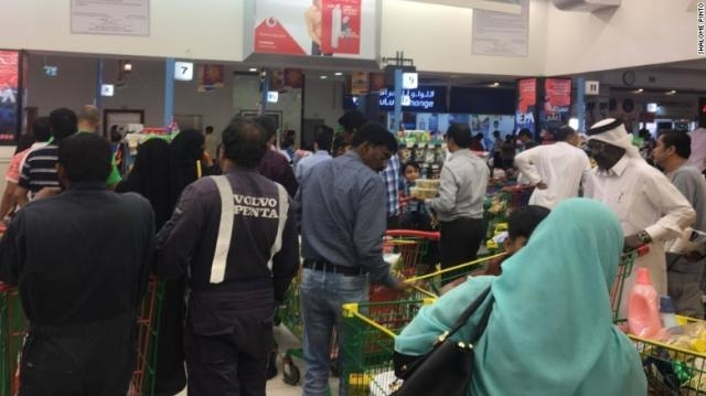 Shoppers rushed to supermarkets amid fears of stock depletion in Qatar- CNN