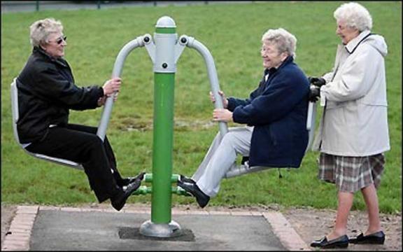 13-parejas-de-ancianos-que-no-son-demasiado-viejos-como-para-pasarlo-bien 2