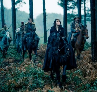 Wonder Woman, Steve Trevor and his companions ride out
