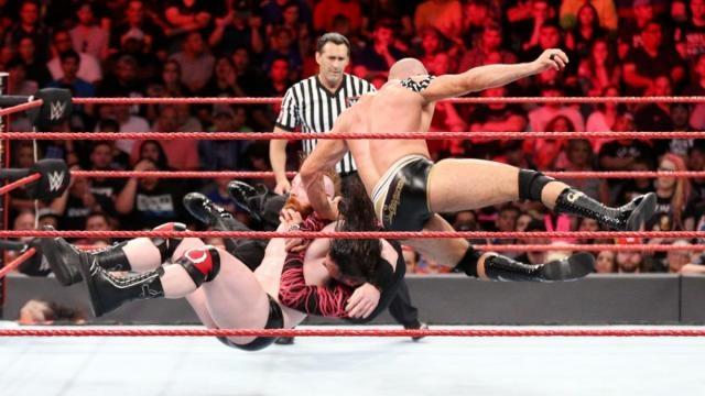 Cesaro y Sheamus retuvieron sus títulos de parejas contra los Hardy en la lucha de la velada. WWE.com.