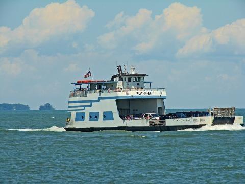 Miller Ferry Dock Put In Bay wikimedia commons