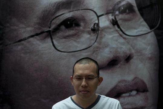 Cina, il governo scarcera il dissidente Nobel per la Pace Liu ... - fanpage.it