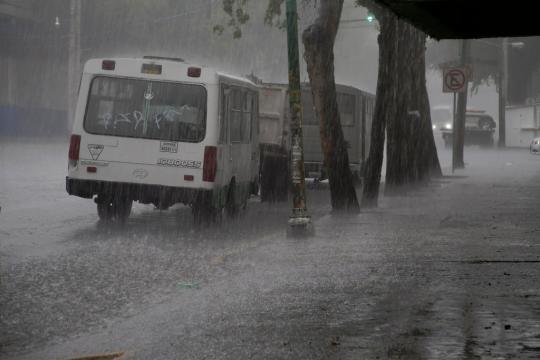 Pronostican lluvias y chubascos en todo el país - La Jornada - unam.mx