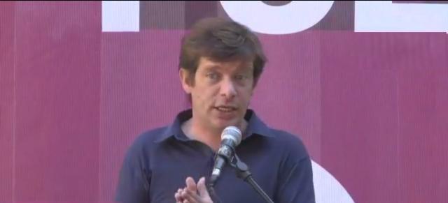 Pippo Civati invoca l'unità della sinistra al Politicamp di Possibile