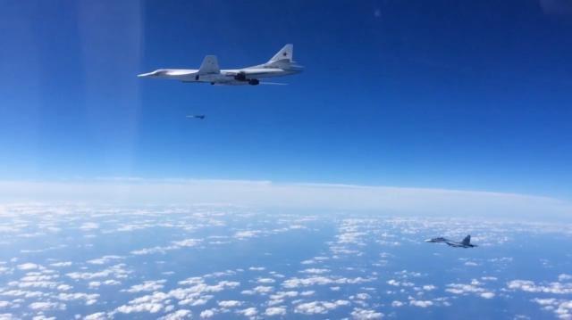 Russische Tu-160 beim Abwurf eines Marschflugkörpers am 20. November 2015 während des Einsatzes in Syrien