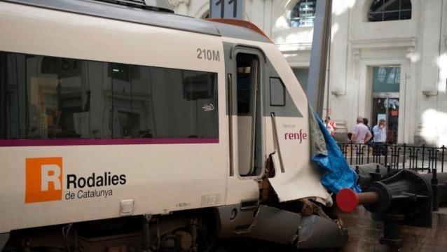 Las imágenes del accidente de tren en Barcelona ... - cnn.com