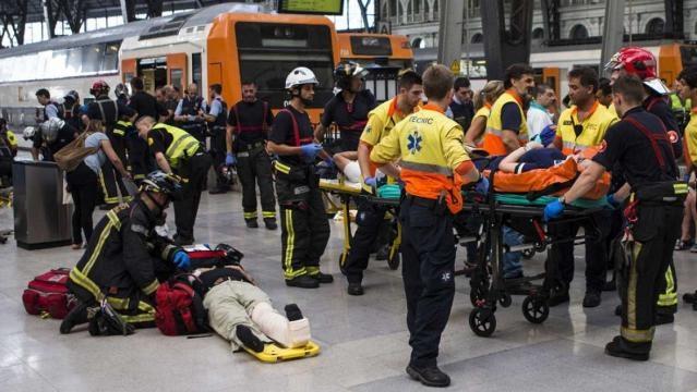 Medio centenar de heridos, 5 graves, en un accidente de tren de ... - rtve.es