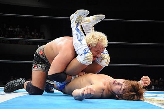 Makabe dio una de las sorpresas de la jornada al derrotar a Ibushi. njpw.co.jp.