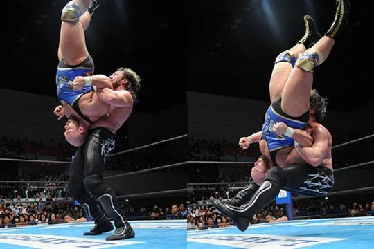 Omega intentó de todo en la lucha hasta un inédito martinete en su repertorio. njpw.co.jp.