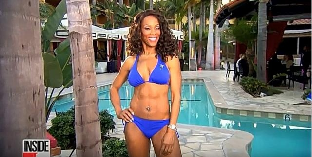 Wendy Shows off her amazing figure at poolside- YouTube/ Wendy Ida Channel