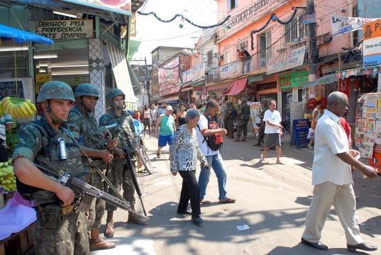 A Brief History of Rio De Janeiro's Favelas - theculturetrip.com