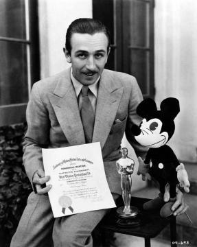 Disney e Mickey e seu Oscar especial
