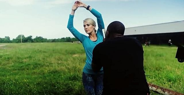 Behind the scenes of Carrie Underwood's photo shoot- YouTube/ Today Channel