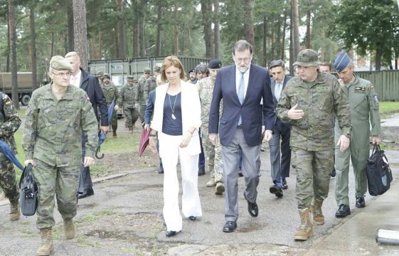 Rajoy y la Ministra de defensa visitan los destacamentos españoles en el Báltico.