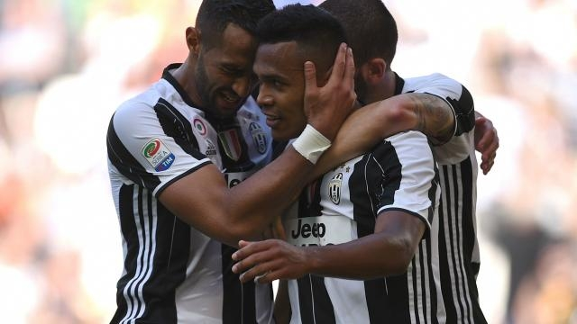 Calciomercato Juventus, chi sarà il sostituto di Dani Alves? (Foto Goal.com)
