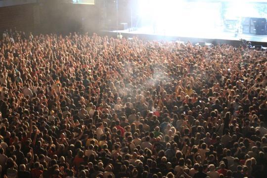 Muito publico presente no concerto dos Deep Purple