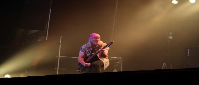 Roger Glover proporcionou grande momento no baixo