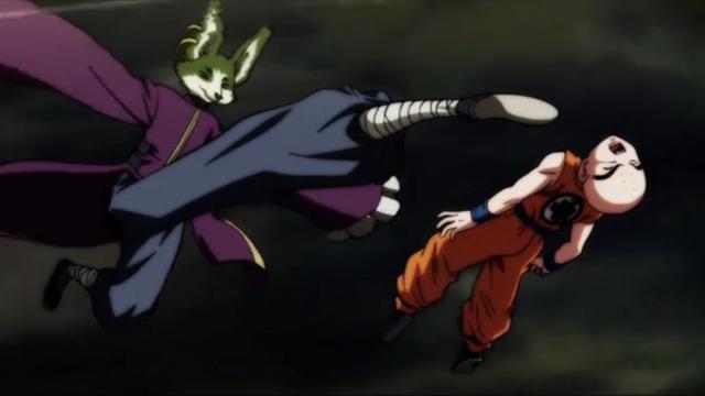 Krilin es golpeado por otro peleador