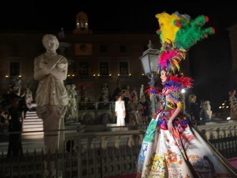 Dolce&Gabbana, sfilata di Alta Moda a Piazza Pretoria