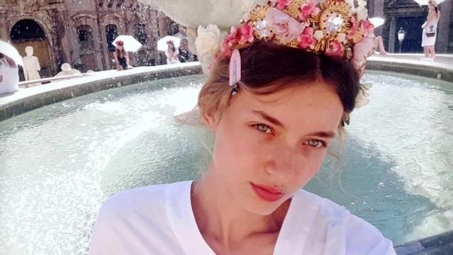 Giulia Maenza, la top model palermitana di 17 anni scelta da Dolce&Gabbana a Piazza Pretoria