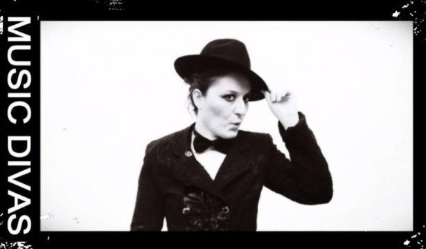 Rossella Regina nei panni di LP.
