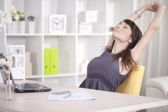 Strengthening & Stretching Exercises You Can Do At Your Desk ... - stepzapp.com