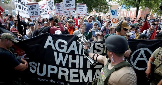 Protest in Charlottesville, Virginia turns deadly (via rollingstone.com - Chip Somodevilla)