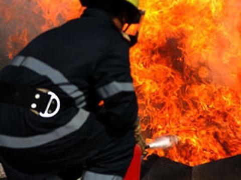 INCENDIU în Bucureşti! În câteva minute, o casă a ars în întregime ... - observator.tv