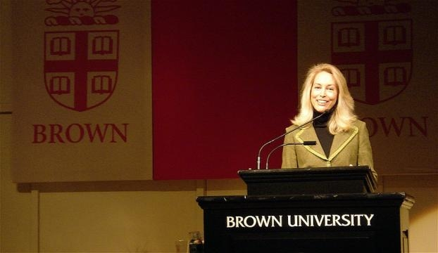Valerie Plame, former CIA operative leaked by Bush Administration wants to buy Twitter [Image: Wikimedia by crystal.village/CC BY 2.0]