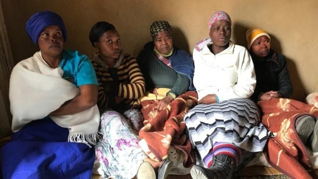 A família de Zanele Hlatshwayo acredita que sua parente desaparecida foi vítima dos canibais