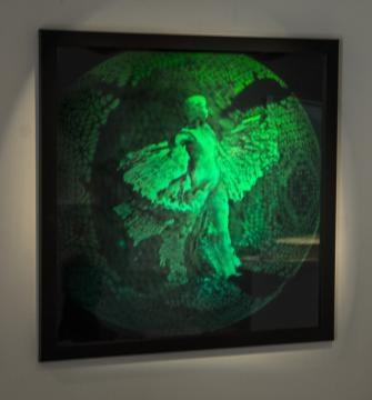 Photographs can be turned into life-like holograms. / Photo via Martina Mrongovius, HoloCenter, used with permission.