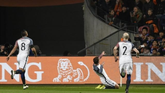 Spettacolo ad Amsterdam nella notte di Cruyff: Olanda-Francia 2-3 ... - eurosport.com