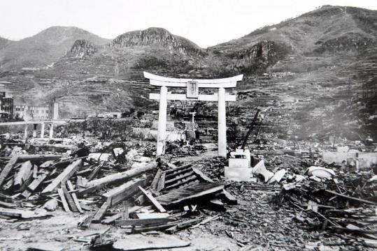 Nagasaki dopo la bomba al plutonio (foto Museo of Atomic Bomb Nagasaki)