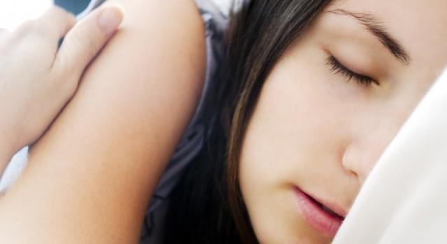 beneficios de dormir la siesta - (via psicologiaymente.net)