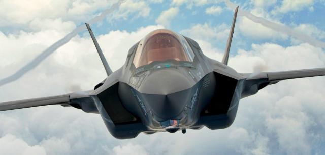 Il cacciabombardiere F-35 Lightning II (www.savetheroyalnavy.org)