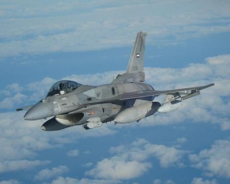 Un caccia F-16 Fighting Falcon (Fonte: Grumman)
