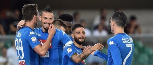 Giocatori del Napoli in festa dopo il vittorioso preliminare contro il Nizza