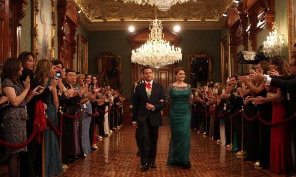Fotos: Angélica Rivera reutiliza el vestido que llevó a España ... - elpais.com