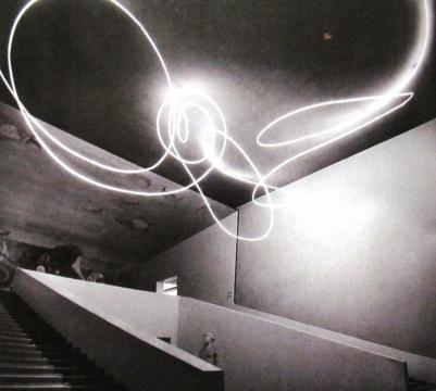 L. FONTANA, 'Struttura al Neon per la IX Triennale di Milano' (1951)