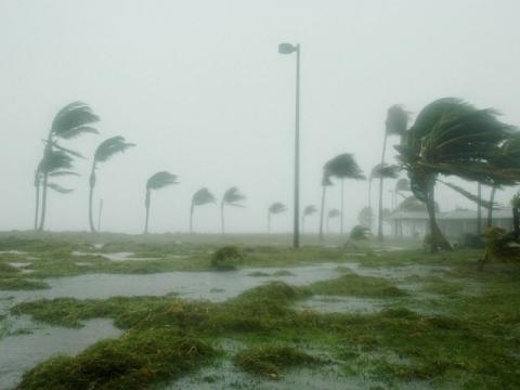L'ouragan Irma, passé en catégorie 5, s'approche des Antilles ... - lindependant.fr