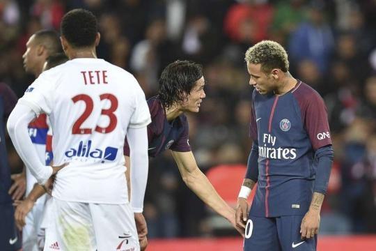 PSG : l'accrochage Neymar-Cavani s'est poursuivi dans le vestiaire - rtl.fr