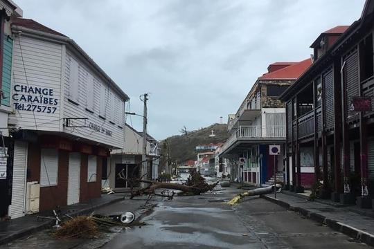 VIDÉOS - Ouragan Irma : les premières images des dégâts aux Antilles - rtl.fr