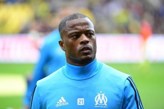 Foot OM - OM : Evra fait une bonne action à Marseille... mais pas ... - foot01.com