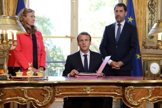 Le journal de 12h30 : Emmanuel Macron signe les ordonnances de la ... - rtl.fr