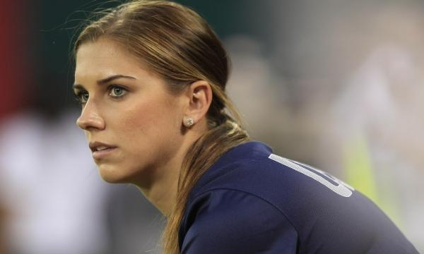 Alex Morgan blasts the NWSL for bed bug-filled hotels | For The Win - usatoday.com