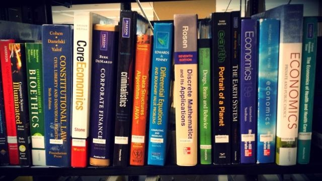 Textbooks are essential, and there are more ways to get them than spending £100. (Via trincoll.edu)