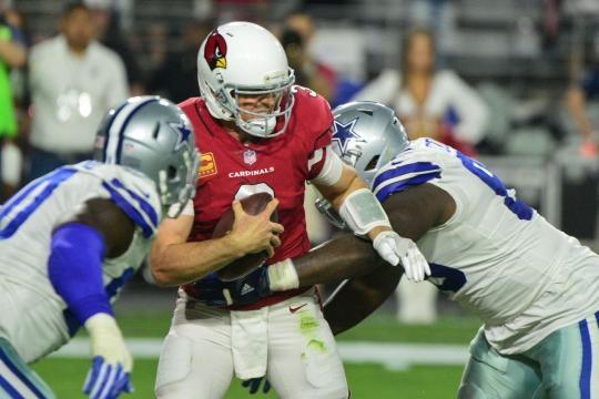 DeMarcus Lawrence tuvo 3 capturas de las 6 de Dallas en el partido. Pro Football Talk.com.