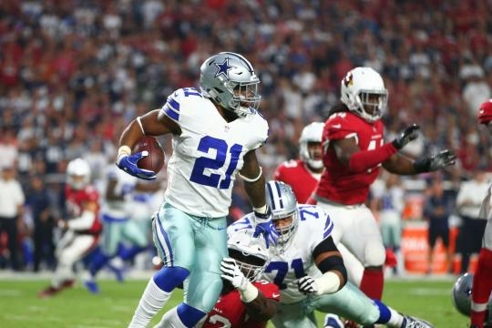Ezekiel Elliott tuvo 80 yardas en el partido. USA Today.com.